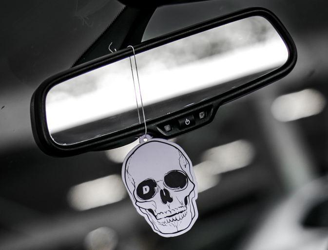DAY 1 Geurhanger - Skull Day1SK